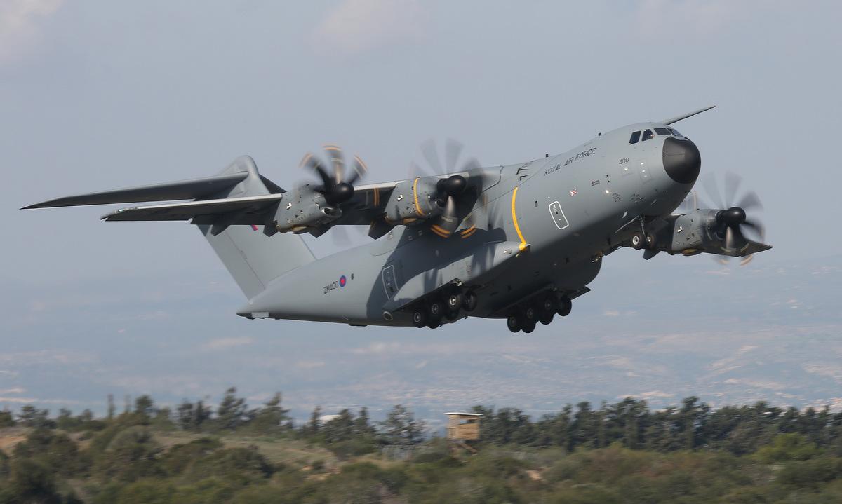 Máy bay A400M Anh cất cánh từ căn cứ Akrotiri. Ảnh: RAF.