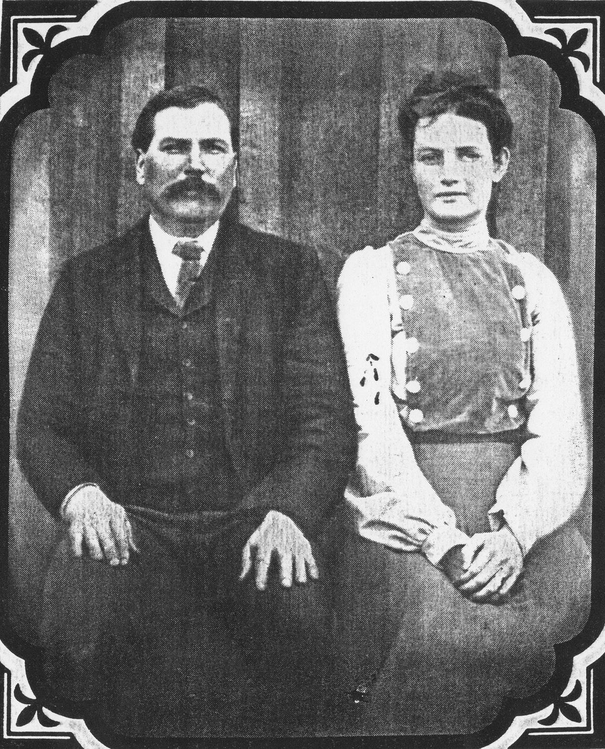 Will Purvis (trái) cùng vợ. Ảnh: Find a Grave.