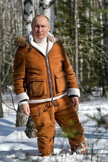 Putin tại Siberia trong bộ ảnh được công bố hôm 21/3. Ảnh: Điện Kremlin.