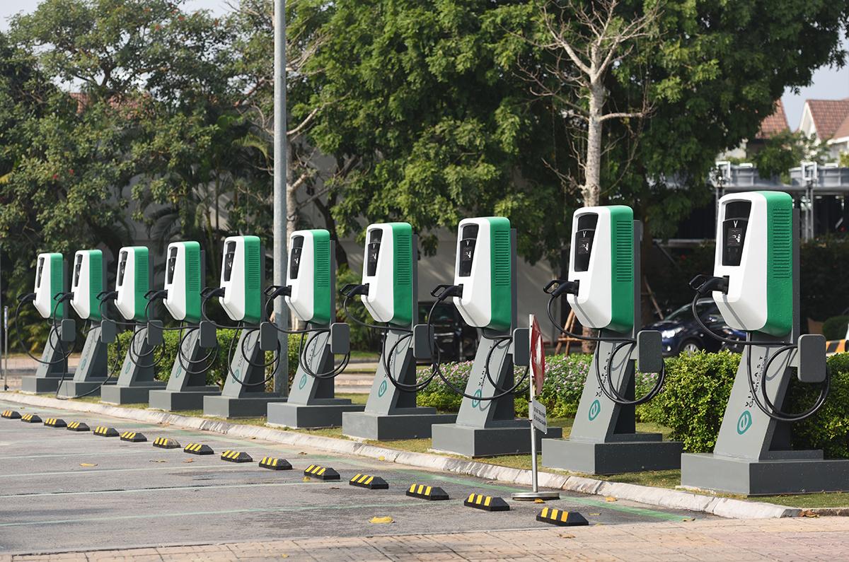 Trạm sạc của VinFast tại Hà Nội. Ảnh: Nguyễn Tới