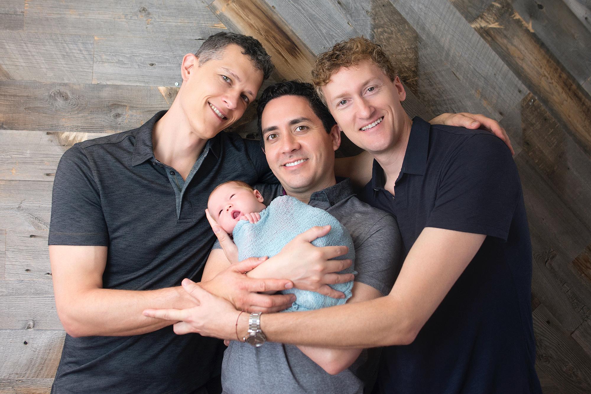 Gia đình của Ian Jenkins, Alan Mayfield và Jeremy Hodges. Ảnh: Sweet me photography
