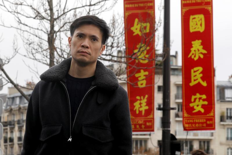 Sun-Lay Tan, một nghệ sĩ người Pháp gốc Campuchia và Trung Quốc, phản đối phân biệt chủng tộc chống người gốc Á tại Paris hồi tháng 1/2020. Ảnh: Reuters