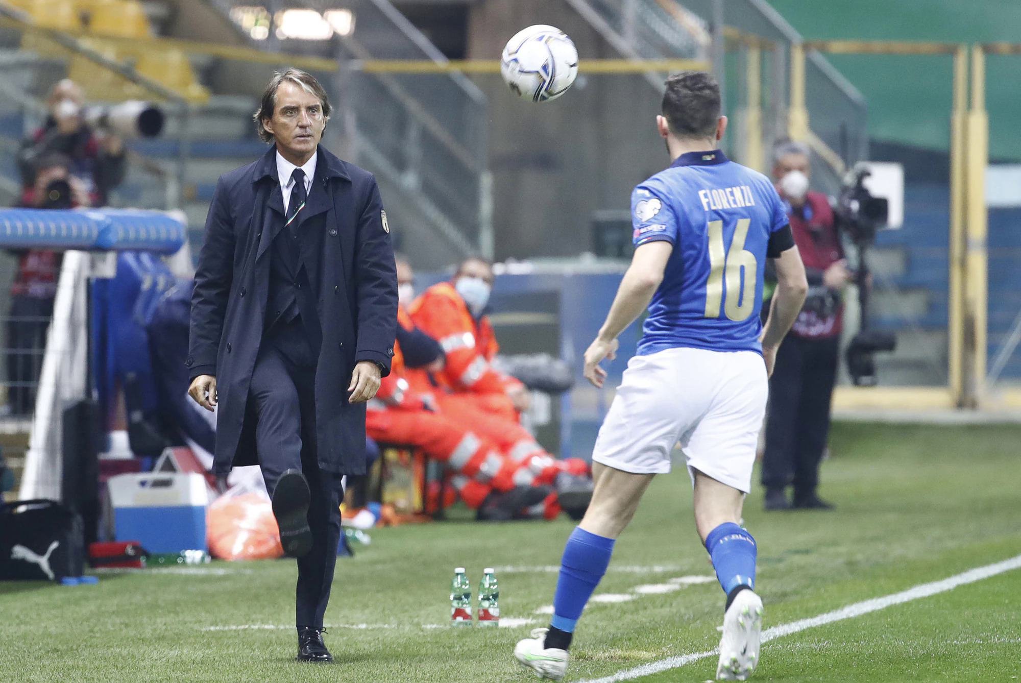 Mancini terkadang marah kepada murid-muridnya karena permainan Italia mengganggu di babak kedua.  Foto: ANSA