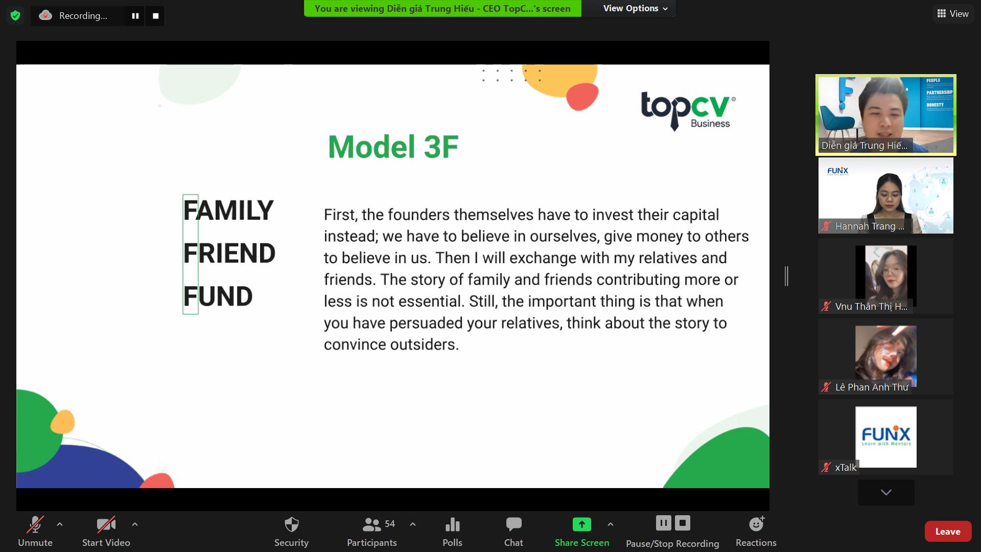 Buổi chia sẻ của CEO TopCV trong chương trình xTalk, do FUNiX tổ chức định kỳ hàng tuần cho sinh viên trực tuyến.