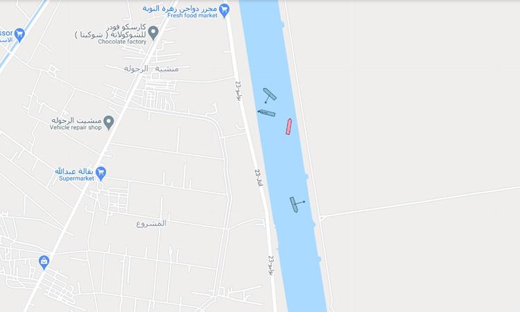 Vị trí tàu Ever Given (màu đỏ) đã dịch chuyển so với trước đó. Đồ họa: Google Maps.