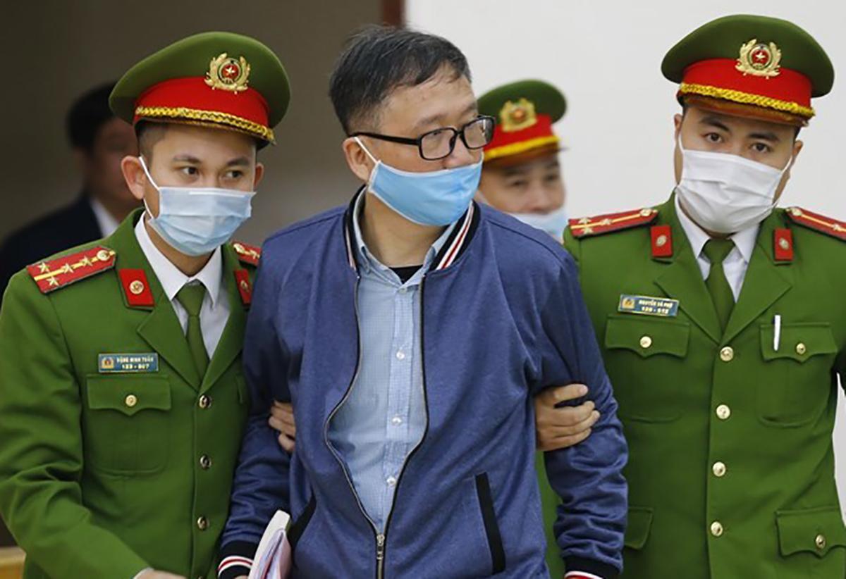 Trịnh Xuân Thanh trong phiên sơ thẩm giữa tháng 3. Ảnh: TTXVN.
