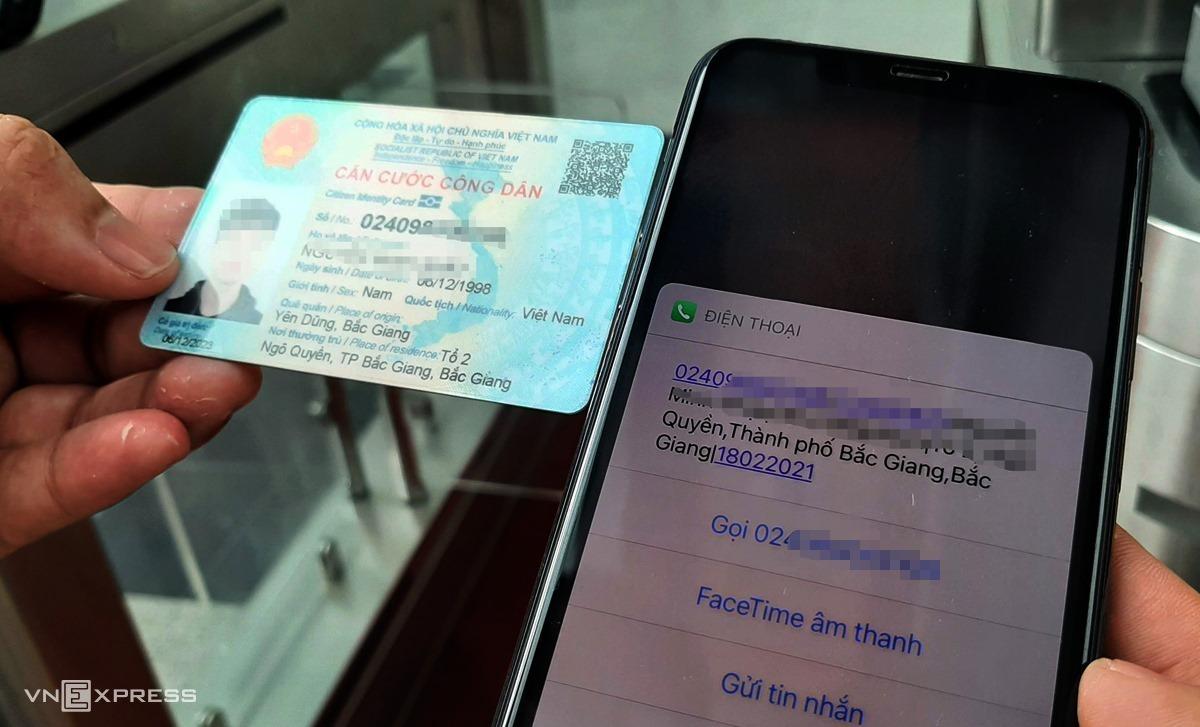 Hiện nay, công dân có thể trích xuất dữ liệu cá nhân trên thẻ căn cước công dân qua mã QR. Ảnh: Bá Đô