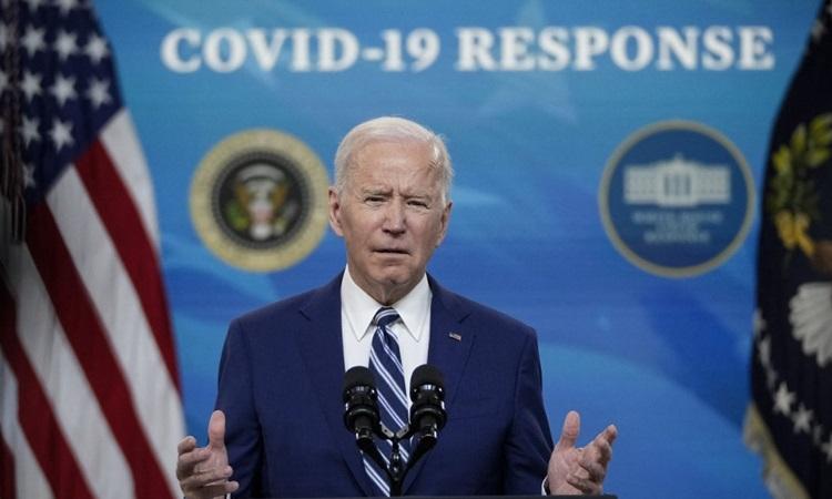 Tổng thống Mỹ Joe Biden phát biểu về phản ứng với Covid-19 và chiến dịch tiêm chủng quốc gia tại Nhà Trắng hôm 29/3. Ảnh: AFP.