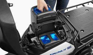 Bốn hãng xe Nhật sẽ dùng chung pin xe máy điện