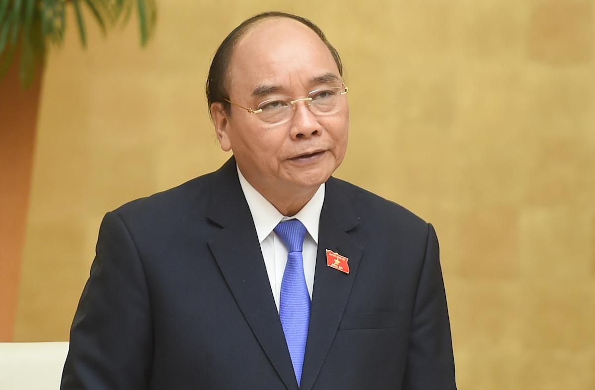 Thủ tướng Nguyễn Xuân Phúc phát biểu tại phiên họp Chính phủ chiều 31/3. Ảnh: VGP