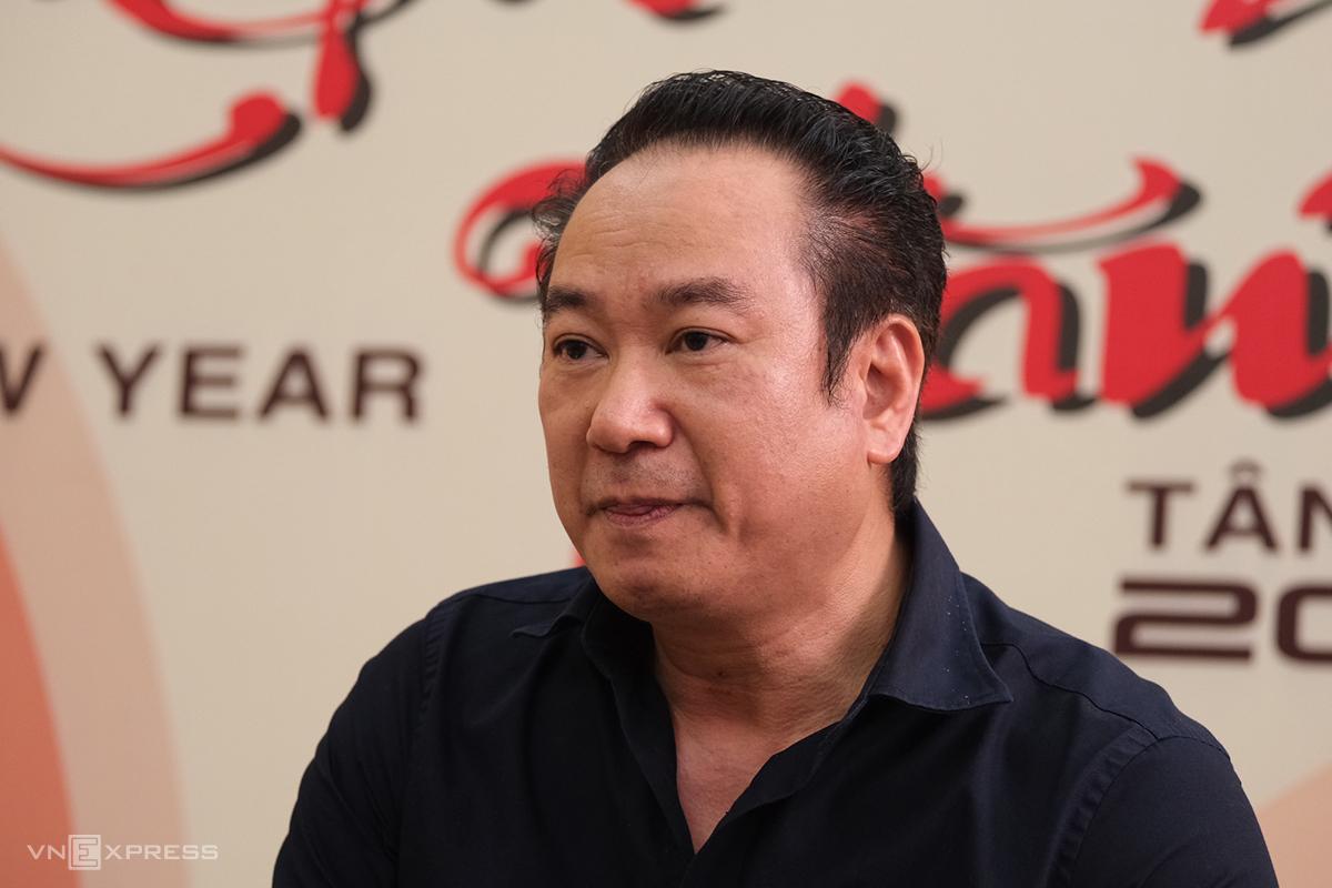 Ông Trần Văn Hải, Quyền giám đốc Học viện Múa Việt Nam, chia sẻ về việc học viên không được cấp bằng văn hóa ngày 1/4. Ảnh: Dương Tâm.