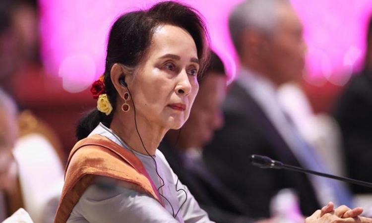 Cố vấn Nhà nước Myanmar Aung San Suu Kyi dự hội nghị thượng đỉnh ASEAN - Trung Quốc tại Bangkok, Thái Lan năm 2019. Ảnh: Reuters.