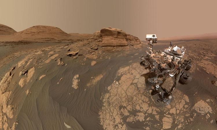 Quang cảnh sao Hỏa trong bức ảnh tự sướng mới nhất của Curiosity. Ảnh: NASA.