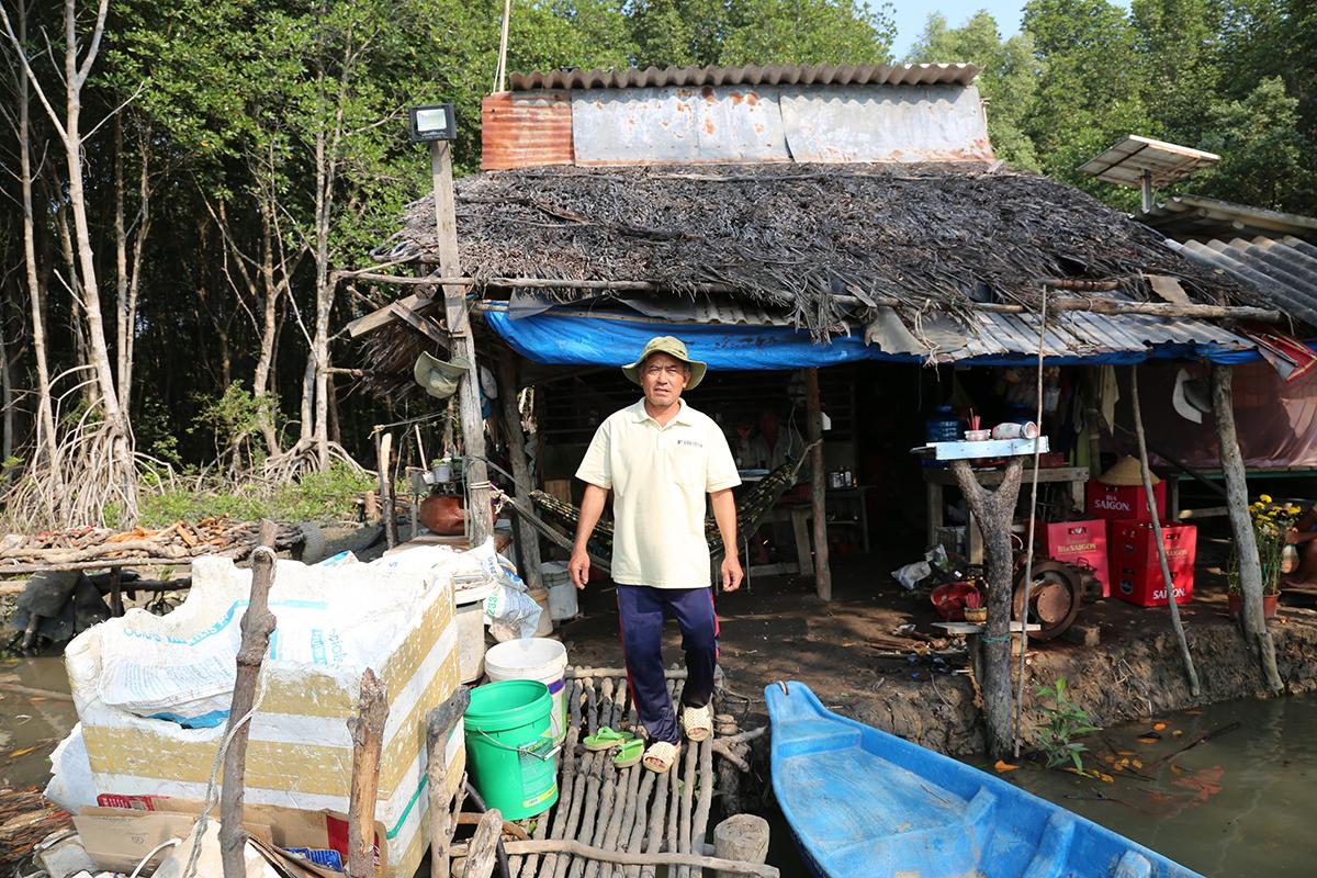 Người dân ở xã đảo Thạnh An tháng 3/2021. Ảnh: Đinh Văn.