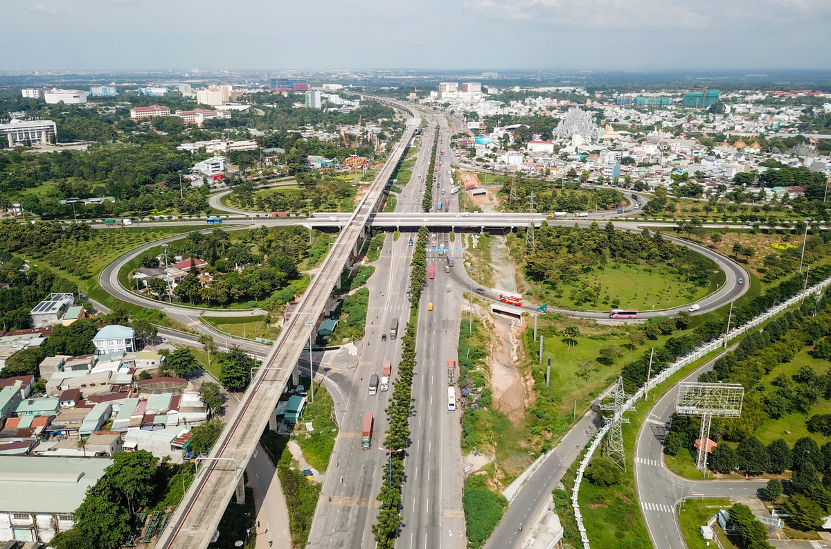 Cầu vượt Trạm 2, nút giao thông quan trọng ở cửa ngõ phía Đông TP HCM. Ảnh: Quỳnh Trần