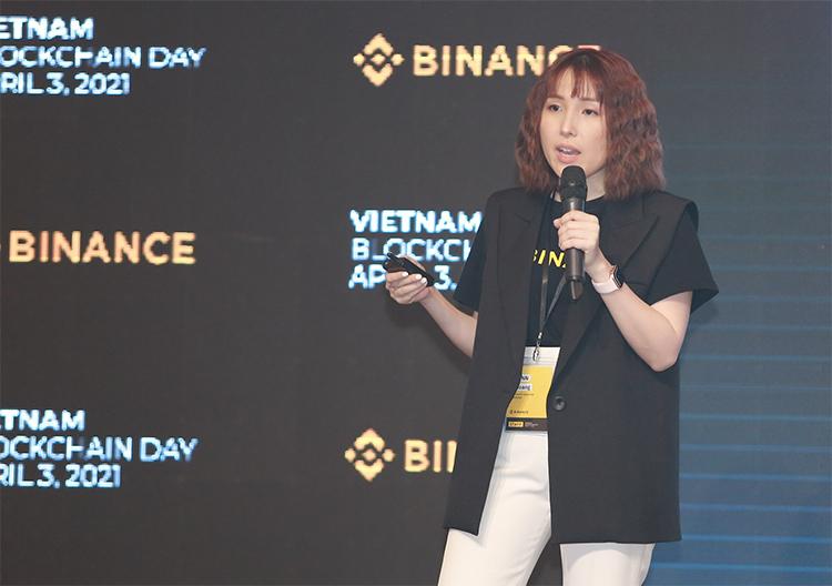 Bà Lynn Hoàng phát biểu tại sự kiện. Ảnh: MA.