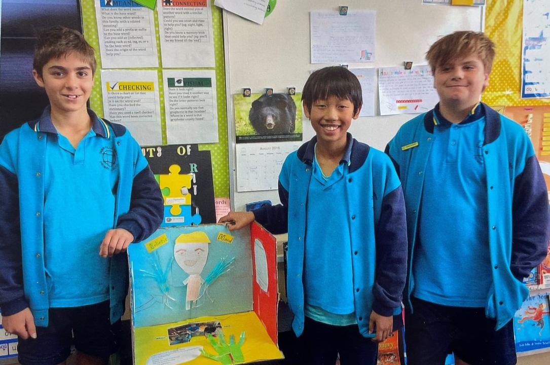 Đồ án khoa học của nhóm học sinh lớp 6 - Cánh tay robot, Ảnh: Thoại Giang