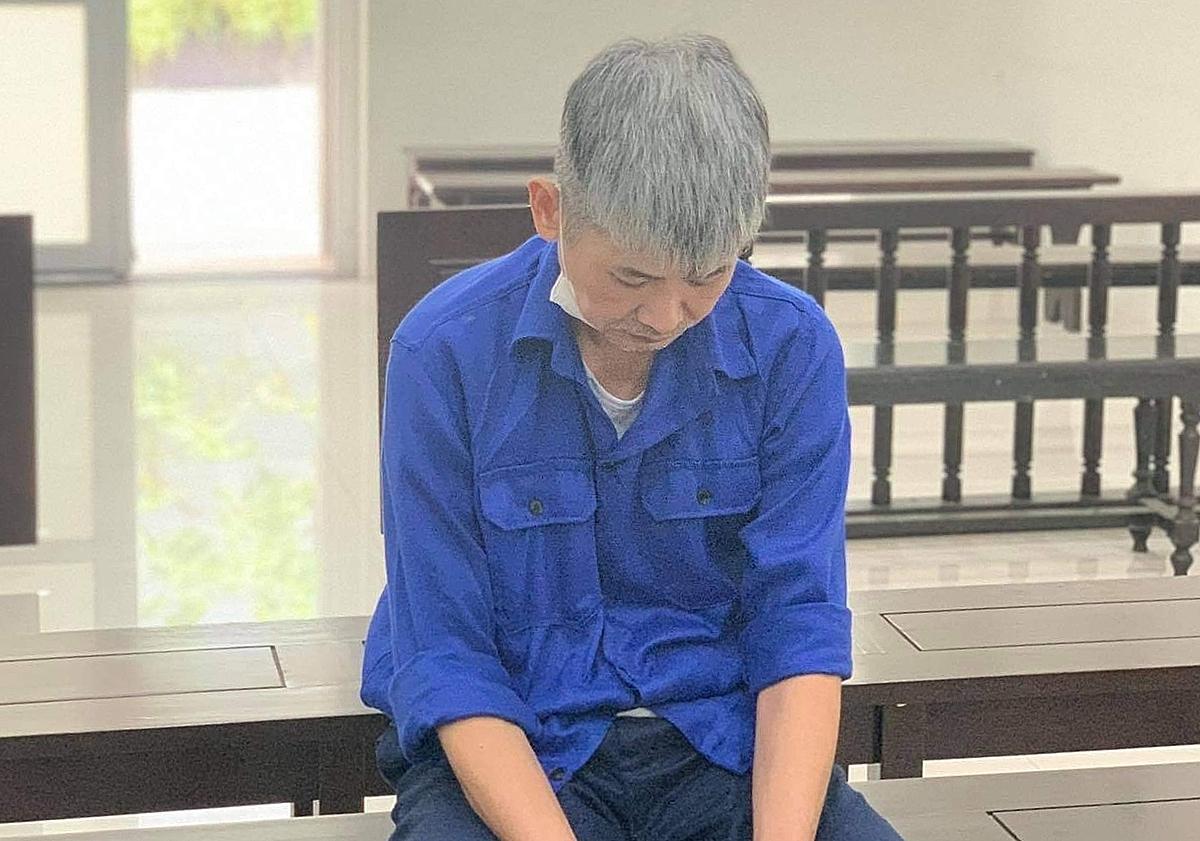 Bị cáo Hùng tại phiên xét xử sáng 6/4. Ảnh: Hải Nhung