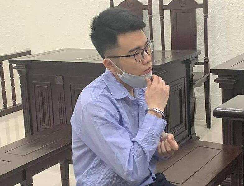 Nguyễn Hiểu Phong tại phiên xét xử ngày 6/4. Ảnh: Hải Nhung