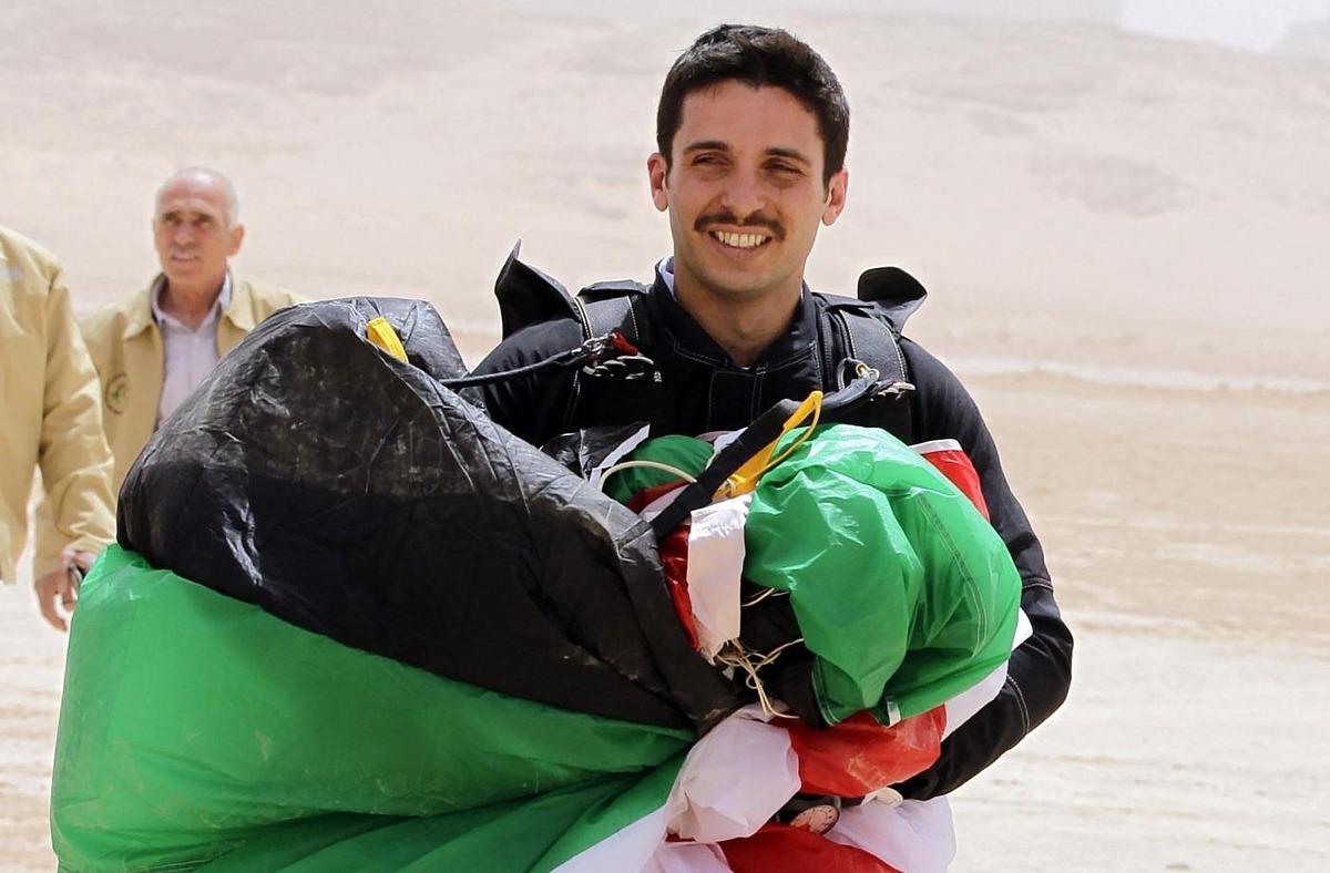 Hoàng tử Hamzah hồi tháng 4/2012. Ảnh: AFP