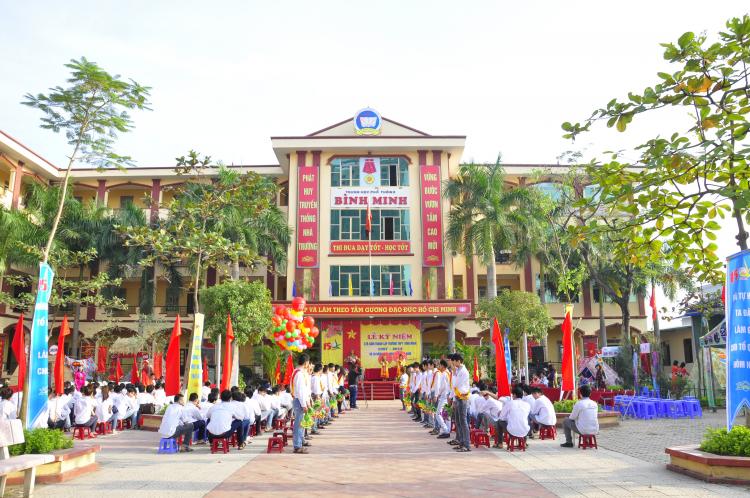 Trường THPT Sunrise là một trong ba trường THPT của Việt Nam nằm trong khối các trường liên kết của UNESCO.