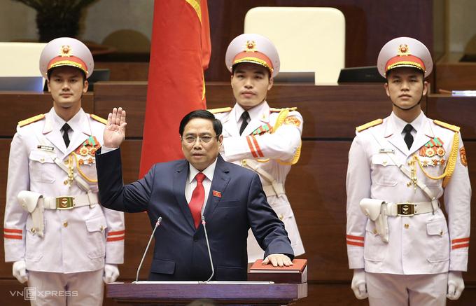 Ông Phạm Minh Chính tuyên thệ nhậm chức Thủ tướng, ngày 5/4. Ảnh: Giang Huy