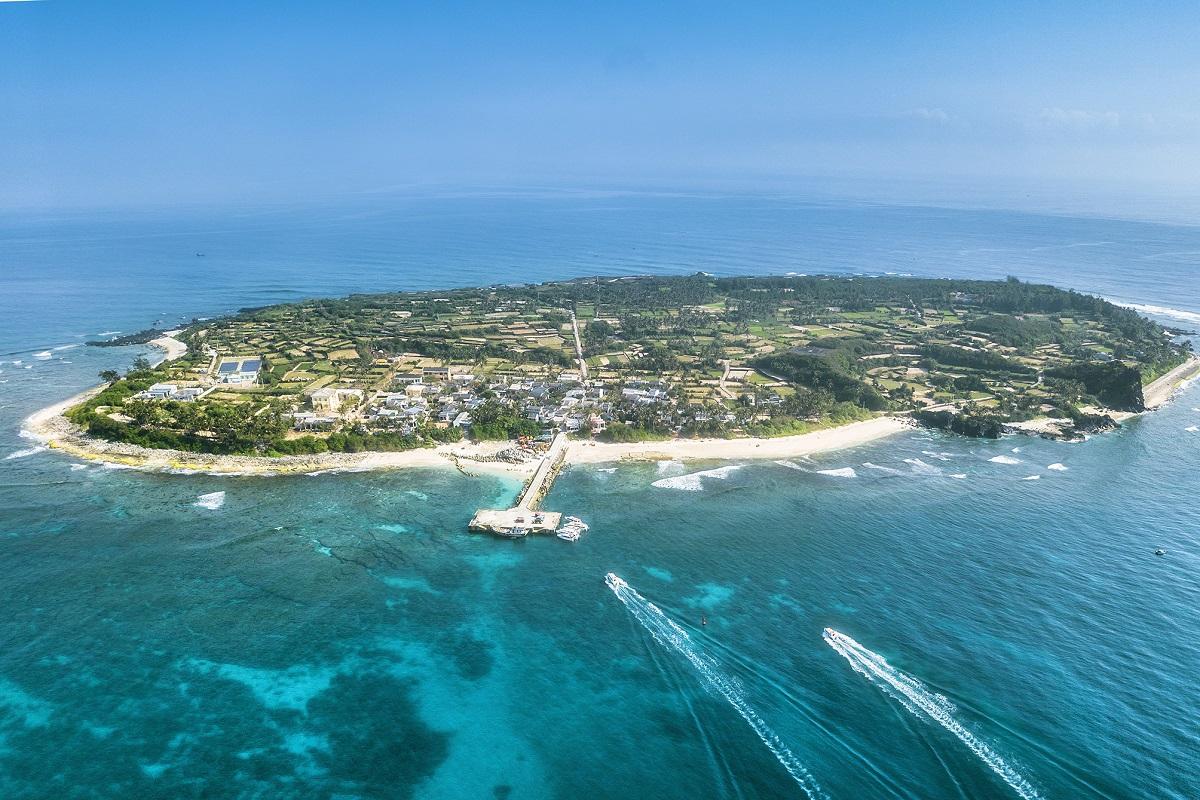 Đảo Lý Sơn, vùng lõi của đề án Công viên địa chất toàn cầu Lý Sơn - Sa Huỳnh. Ảnh: Bùi Thanh Trung.