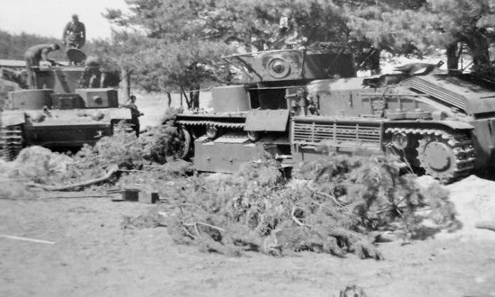 Xe tăng T-28 Liên Xô bị quân Đức thu giữ năm 1941. Ảnh: Wikipedia.