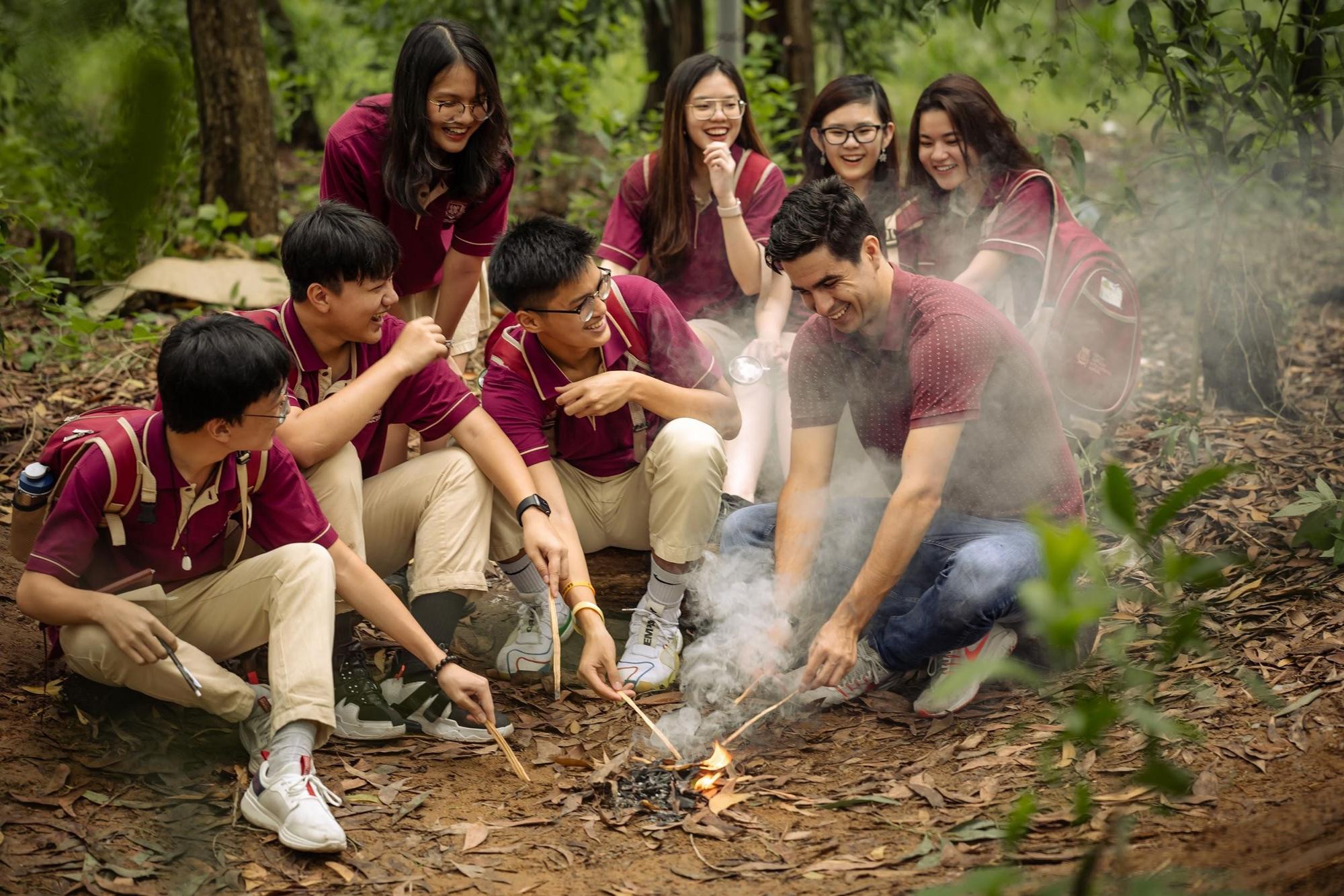 Trẻ khám phá thiên nhiên và thực hành kỹ năng sinh tồn qua các chuyến dã ngoại