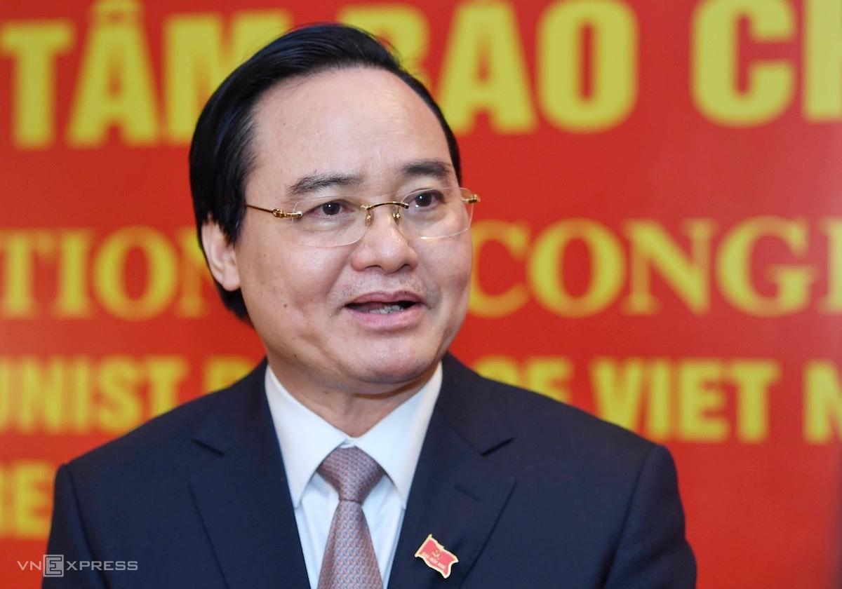 Bộ trưởng Giáo Dục và Đào tạo Phùng Xuân Nhạ trả lời báo chí bên lề Đại hội XIII, tháng 1/2021. Ảnh: Hoàng Thùy