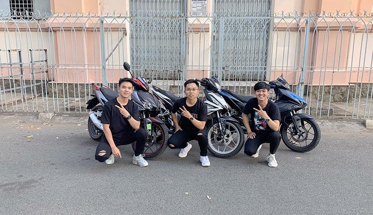 Nguyễn Trương Nhật An (ngoài cùng bên trái) và hai người bạn thân. Ảnh: nhân vật cung cấp.