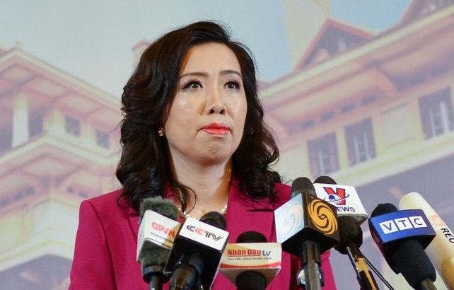 Người phát ngôn Lê Thị Thu Hằng trong cuộc họp báo ngày 25/3. Ảnh: Vũ Anh.