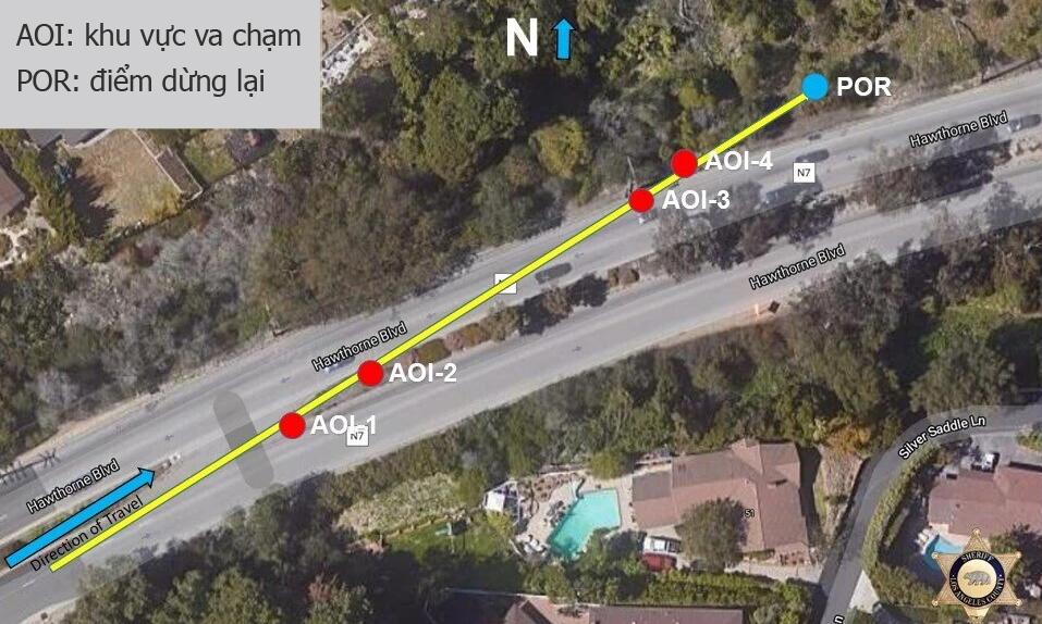 Trong một buổi họp báo, cảnh sát Los Angeles cho thấy đoạn đường mà xe của Tiger Woods gặp nạn. Ảnh: Los Angeles County Sheriffs Department