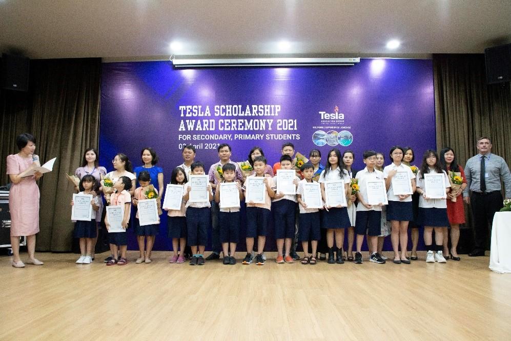 Hệ thống Trường Tesla trao 15 suất học bổng Tú tài quốc tế đợt một cho học sinh tiểu học và trung học