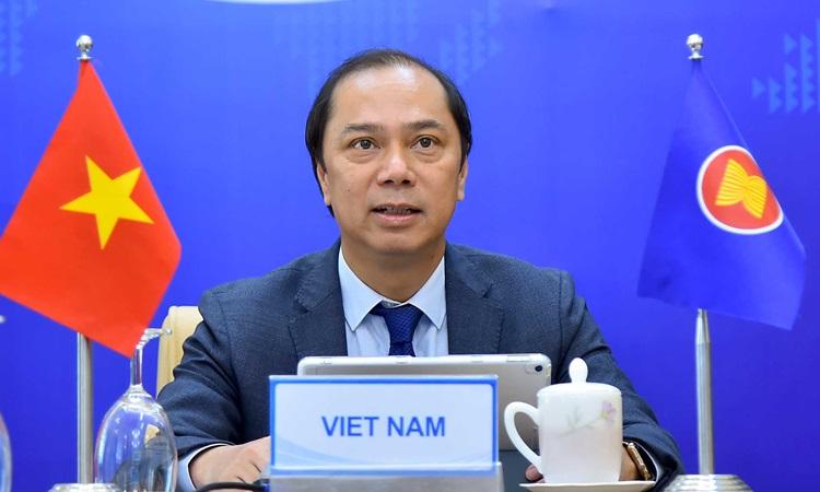 Thứ trưởng Ngoại giao Nguyễn Quốc Dũng dự cuộc họp chiều nay. Ảnh: Bộ Ngoại giao.