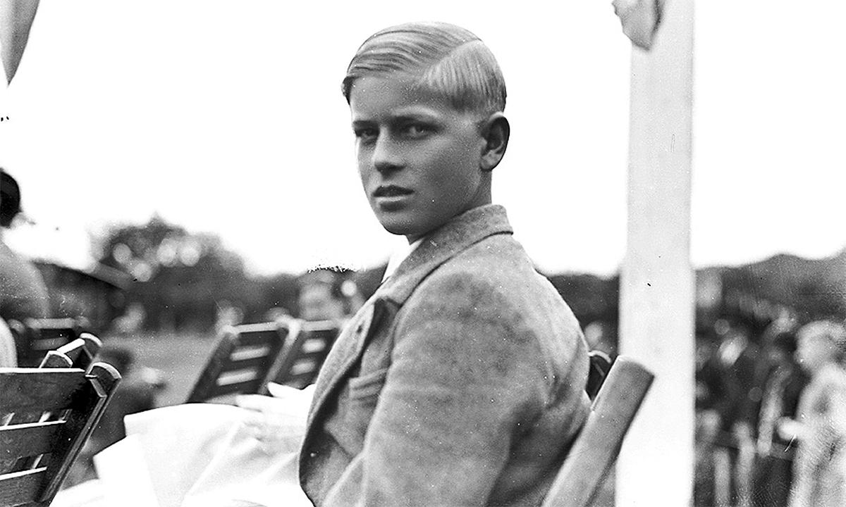 Hoàng thân Philip lúc 15 tuổi. Ảnh: Bảo tàng Norfolk.