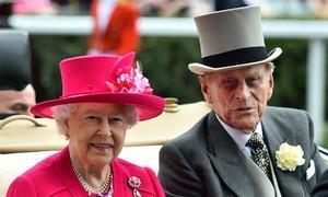 Người 74 năm sát cánh cùng Nữ hoàng Anh