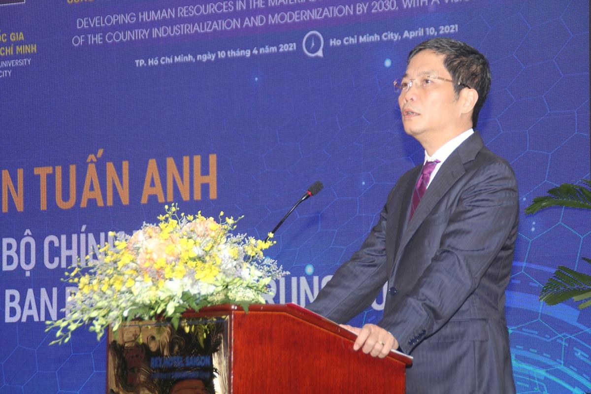 Trưởng ban Kinh tế Trung ương Trần Tuấn Anh phát biểu tại hội thảo. Ảnh: Hà An.