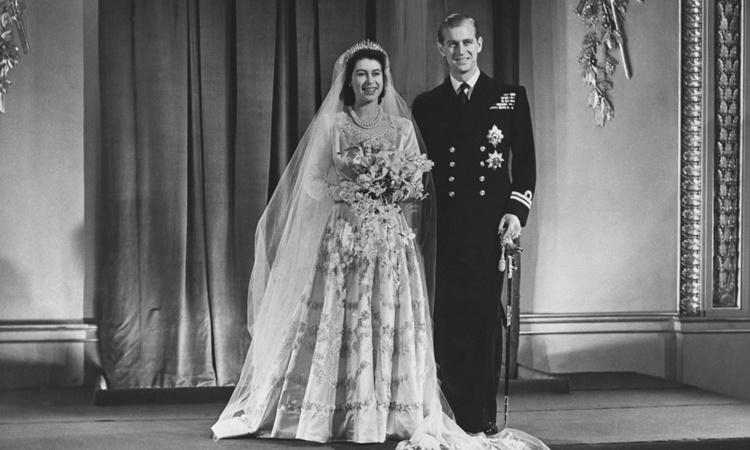 Công chúa Elizabeth và Hoàng tử Philip khi mới kết hôn vào năm 1947. Ảnh: Royal.uk.