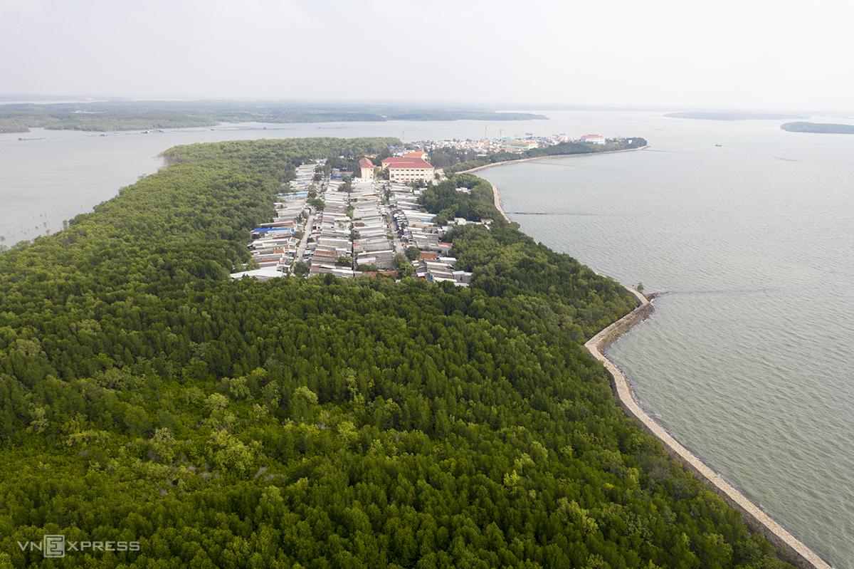 Một góc xã đảo Thạnh An, huyện Cần Giờ, tháng 4/2021. Ảnh: Hữu Khoa.