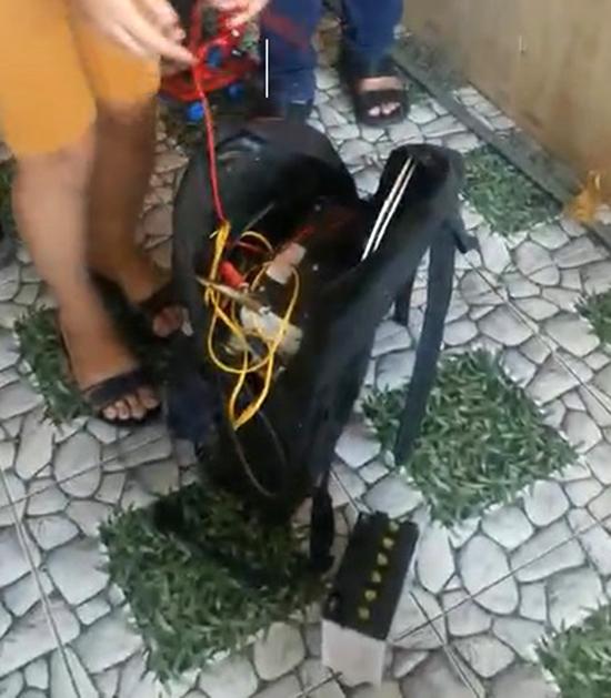 Dụng cụ Tiên dùng chích điện các nạn nhân. Ảnh: Phạm Linh.