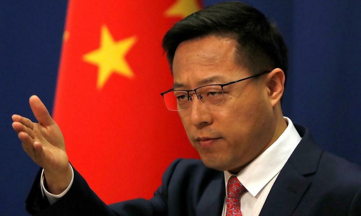 Phát ngôn viên Bộ Ngoại giao Trung Quốc Triệu Lập Kiên tại họp báo ở Bắc Kinh, ngày 8/4/2020. Ảnh: Reuters.