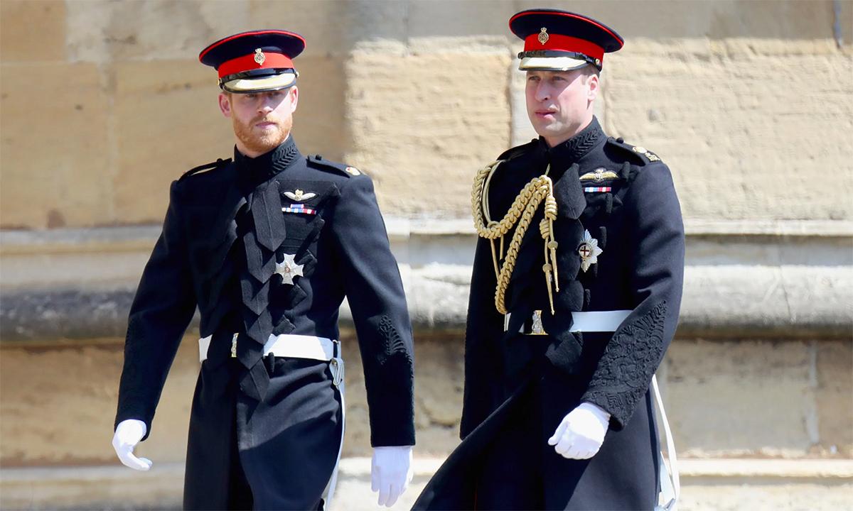 Hoàng tử William (phải) và Harry (trái) trong một sự kiện hồi tháng 5/2018. Ảnh: PA.