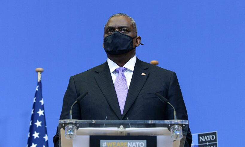 Bộ trưởng Austin trong cuộc họp tại trụ sở NATO hôm 14/4. Ảnh: Reuters.