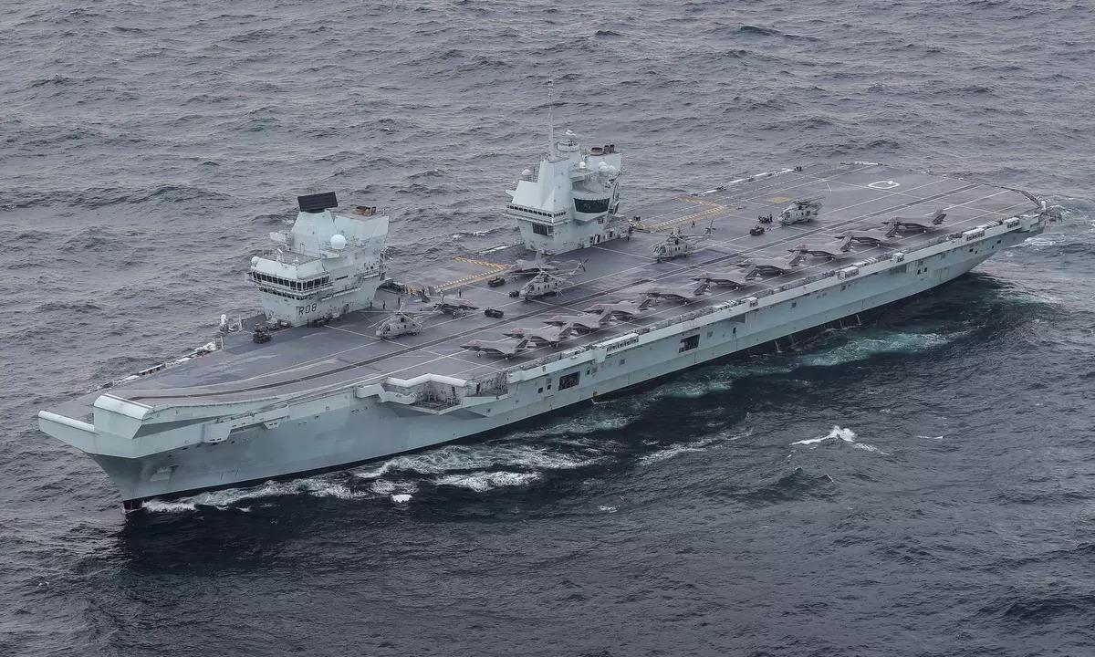 HMS Queen Elizabeth chạy thử trên biển hồi tháng 3. Ảnh: Royal Navy.