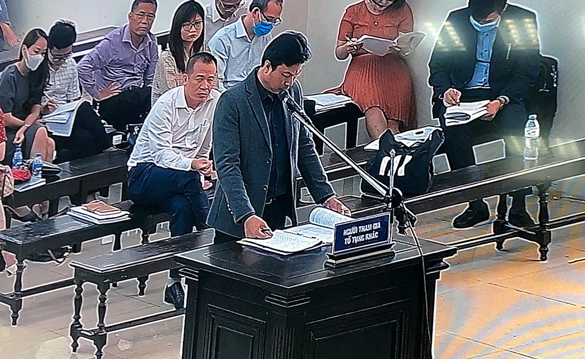 Đại diện uỷ quyền của Công ty gang thép Thái Nguyên tại phiên toà. Ảnh chụp qua màn hình.