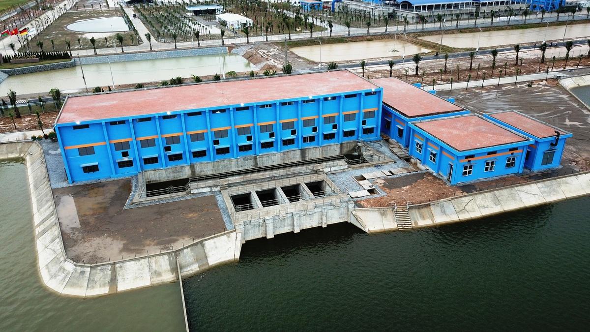 Nhà máy nước mặt sông Đuống (Gia Lâm, Hà Nội) đưa vào sử dụng giai đoạn 1 từ cuối năm 2018. Ảnh: Võ Hải.