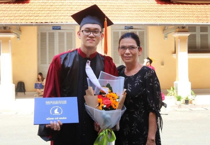Nguyễn Minh Huy trong ngày tốt nghiệp đại học tháng 8/2020. Ảnh: Nhân vật cung cấp.