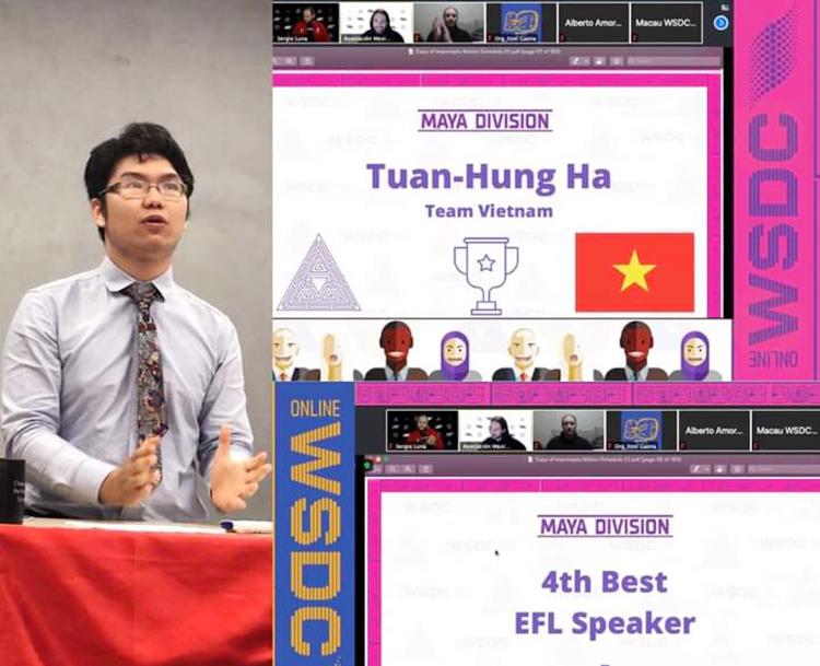 Hà Tuấn Hùng trong cuộc thi Vô địch tranh biện thế giới dành cho học sinh năm 2020. Ảnh: Nhân vật cung cấp.