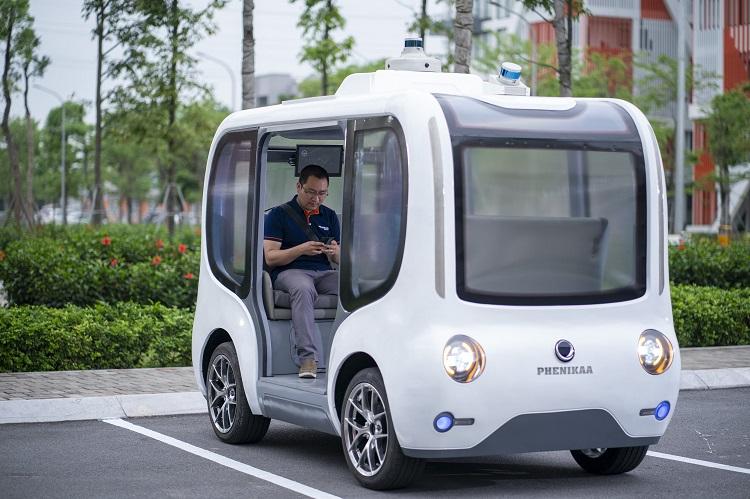 Xe có thể trở tối đa 6 người, tự động xác định điểm xuất phát và đường đi. Ảnh: Nhóm nghiên cứu.